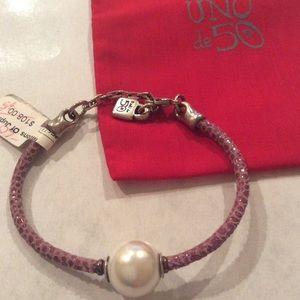 Uno de 50 Moons Of Jupiter Mauve Pearl bracelet